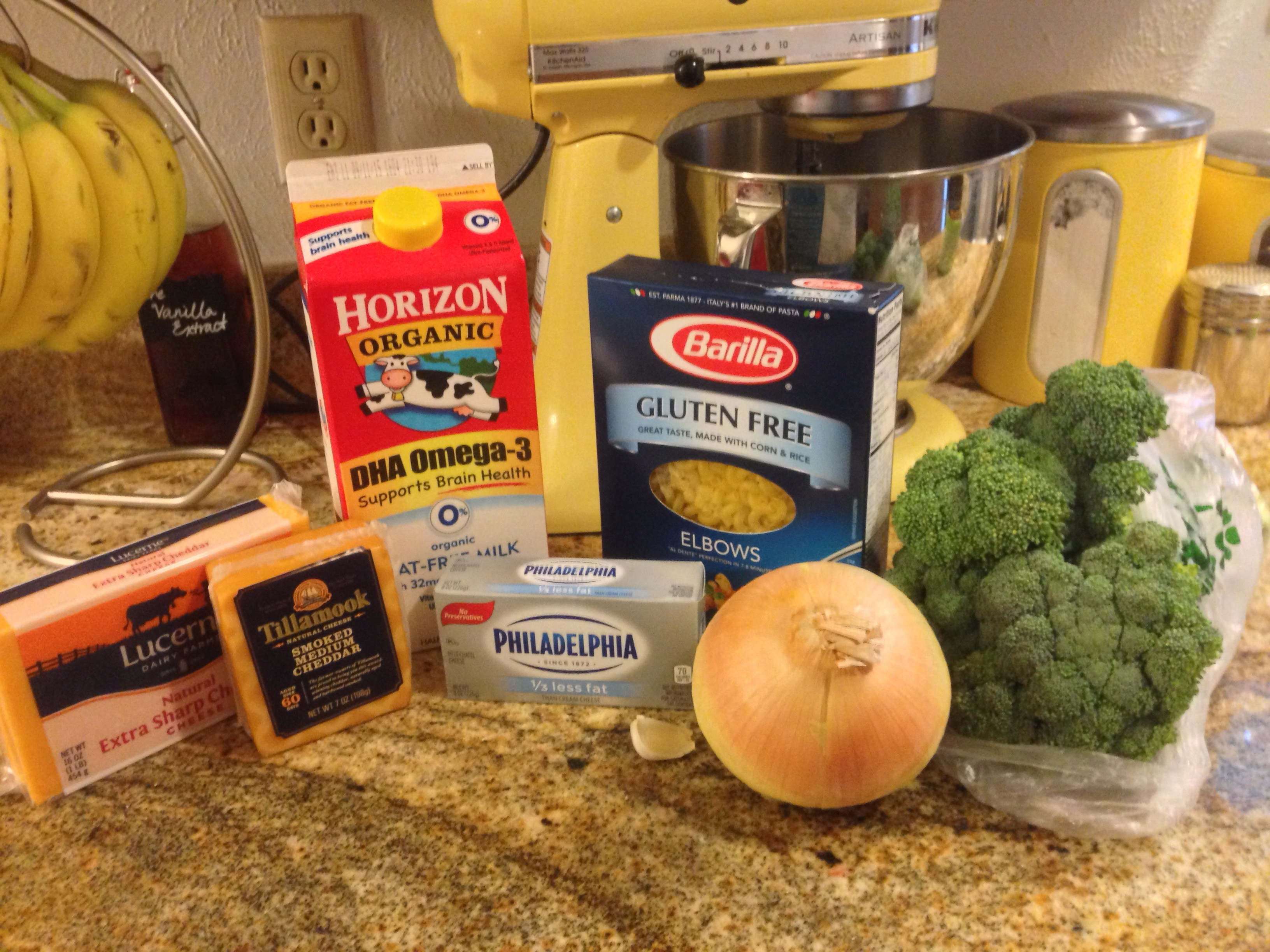 Ingredients for smoked cheddar mac and cheese