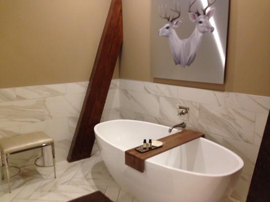 bathroom-at-crawford